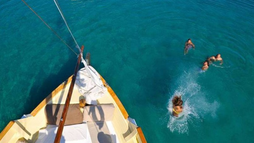 michael-zeppos-cruise-boat-01