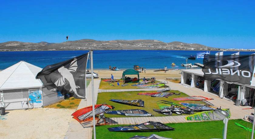 paros-kiteboarding-center-01